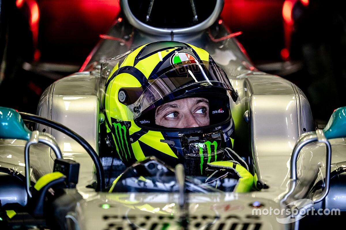 Rossi büszke rá, hogy ő az egyetlen, aki F1-es Ferrarit és Mercedest is vezetett