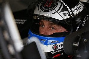 Video: Post-race altercation between teammates Harvick and Busch