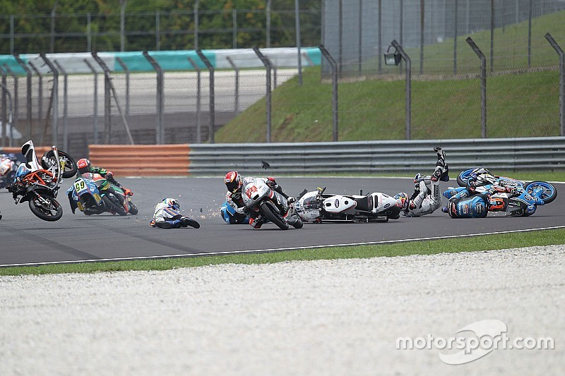 Herrera and Bulega head Sepang Moto3 injury list