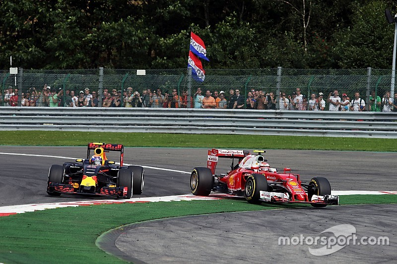 """Raikkonen: """"Something is not correct"""" with Verstappen's driving tactics"""