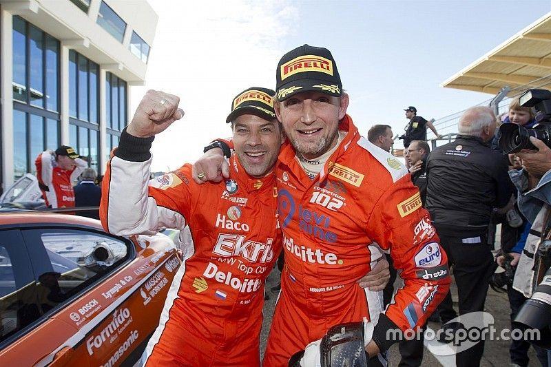 Van der Ende en Van Oranje trots op 1-2 bij seizoensafsluiting GT4
