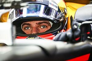 Formula 1 Özel Haber Verstappen ve Ricciardo 2018 kaskını tanıttı, Alonso ipucu verdi