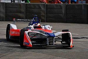 Rosenqvist vence a Evans por la pole para la segunda carrera