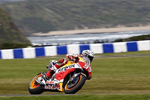 Australian MotoGP: Marquez on pole as Dovizioso struggles