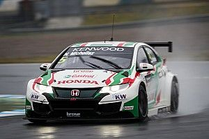 Motegi WTCC: Michelisz beats Catsburg to take pole