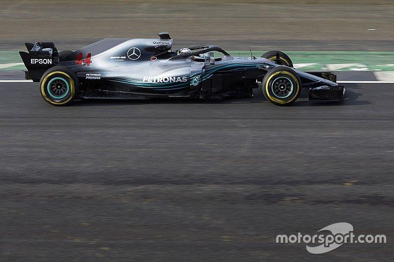 """Mercedes: """"Mantener la larga distancia entre ejes fue una decisión fácil"""""""