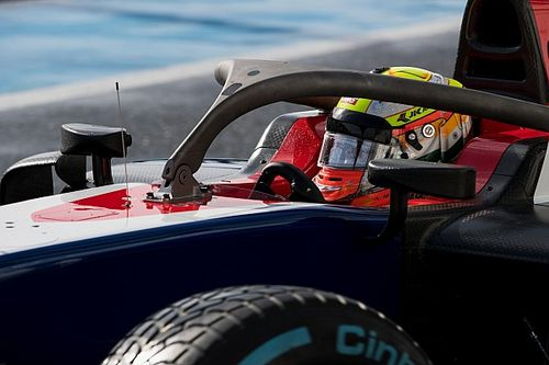 Gallery: Maini tests new halo-fitted F2 car in snowy France