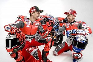 Cara a cara Lorenzo-Dovizioso ante los fans de Ducati