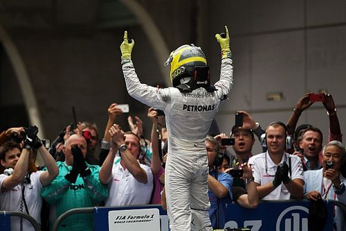 Rosberg tökéletes napja: az első F1-es győzelem Schumacher csapattársaként