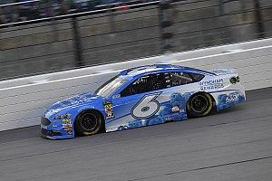 Kenseth centra la pole position alla All-Star Race di Charlotte