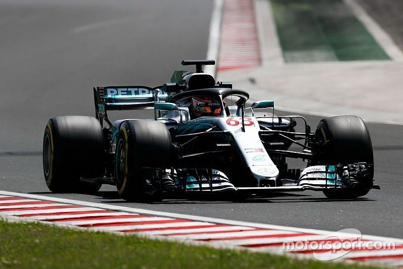 """Russell efforts building """"pressure"""" for F1 seat"""