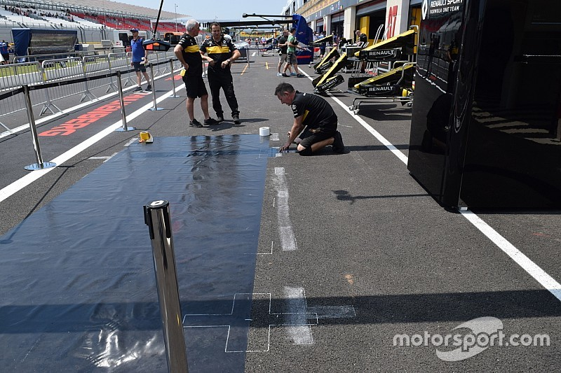 Novità Renault: ecco perché la piazzuola del pit stop è stata angolata in pit lane