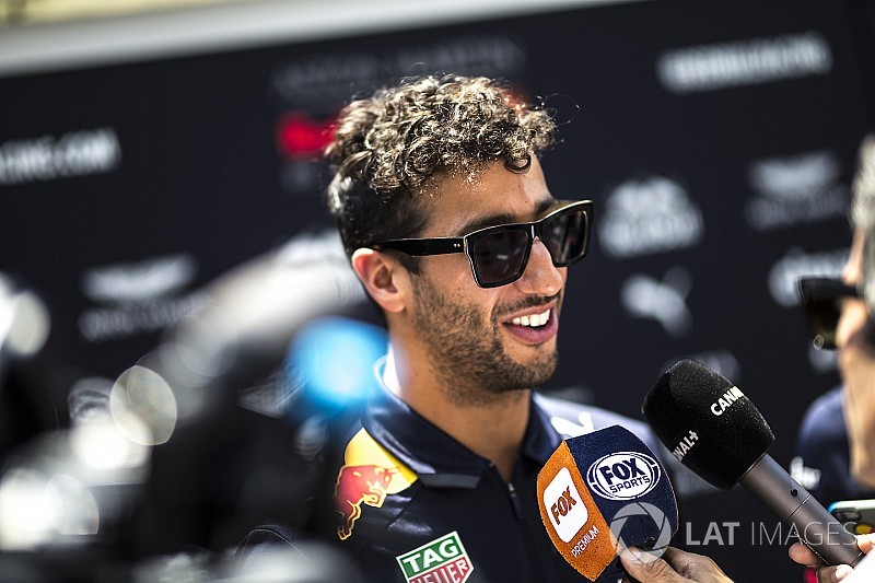 "Ricciardo: ""Some appeal"" in joining McLaren or Renault"