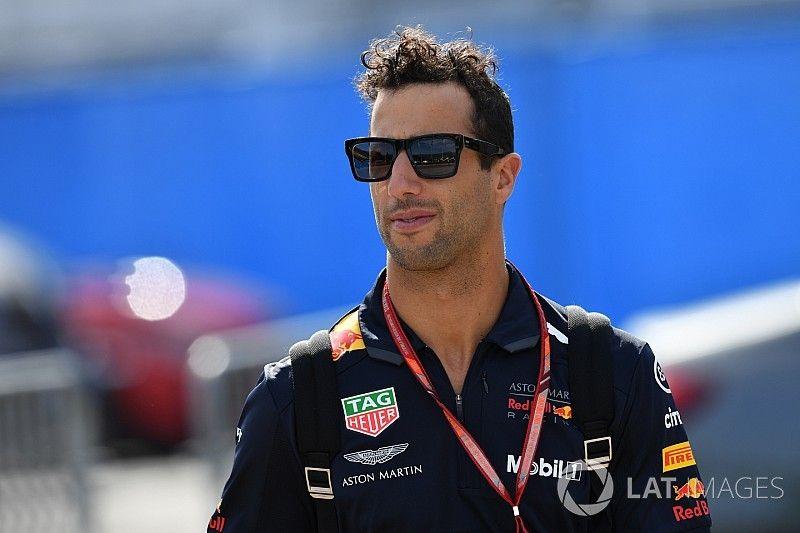 """Ricciardo sería """"atrevido"""" si se marchara a equipos a los que ahora dobla"""
