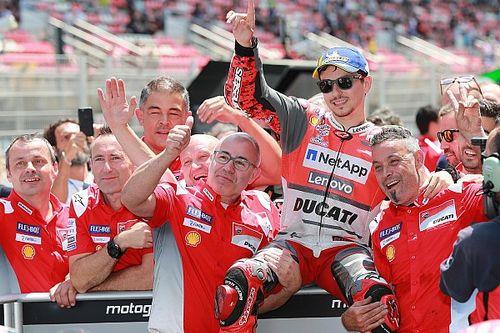 Лоренсо завоевал первый поул в составе Ducati