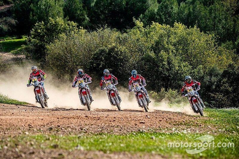 Honda y Barreda presentan su equipo para el Dakar con hambre de victoria