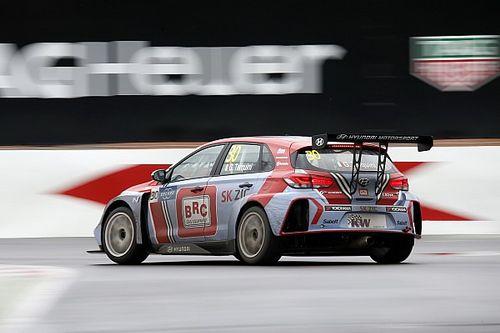 Gabriele Tarquini y Hyundai ganan la primera carrera del WTCR
