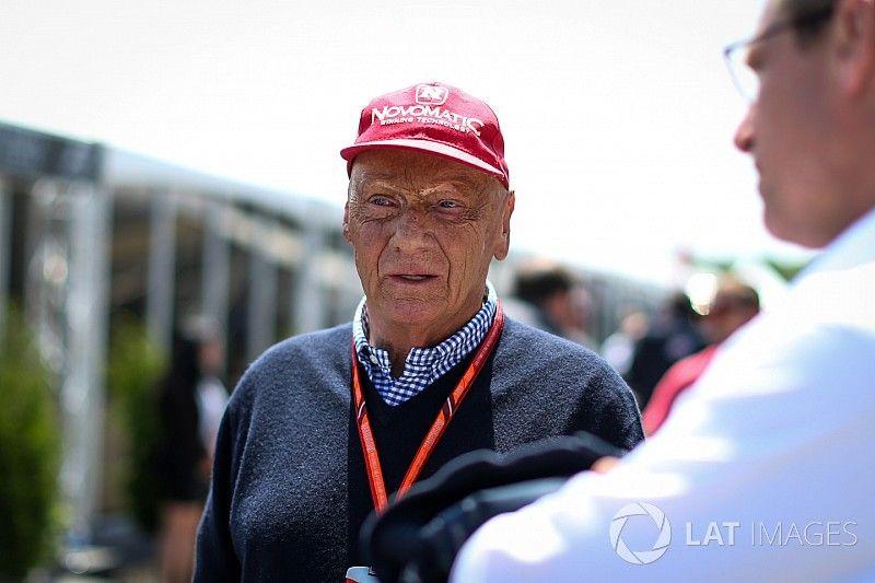 Lauda récupère sa compagnie aérienne mais reste chez Mercedes