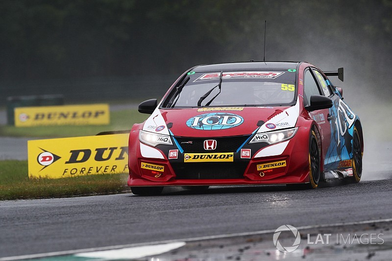 Brett Smith takes over injured father Jeff's BTCC seat