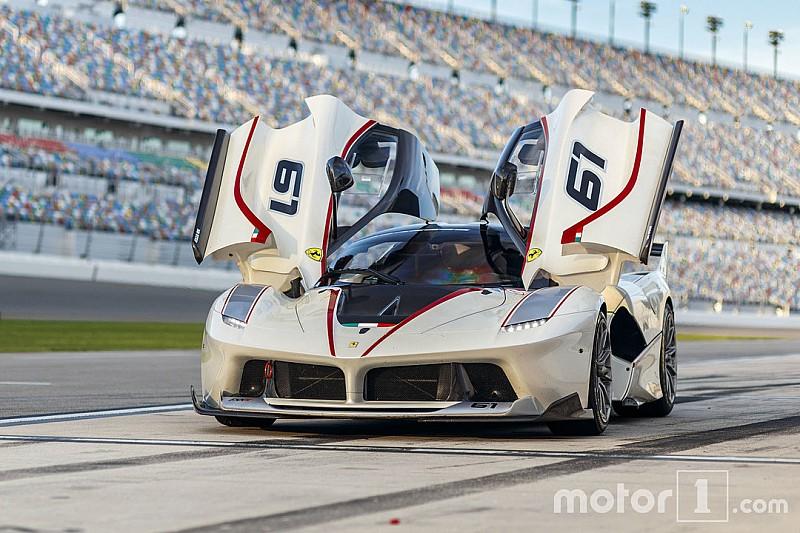 Photos - Des Ferrari en ville comme en piste!