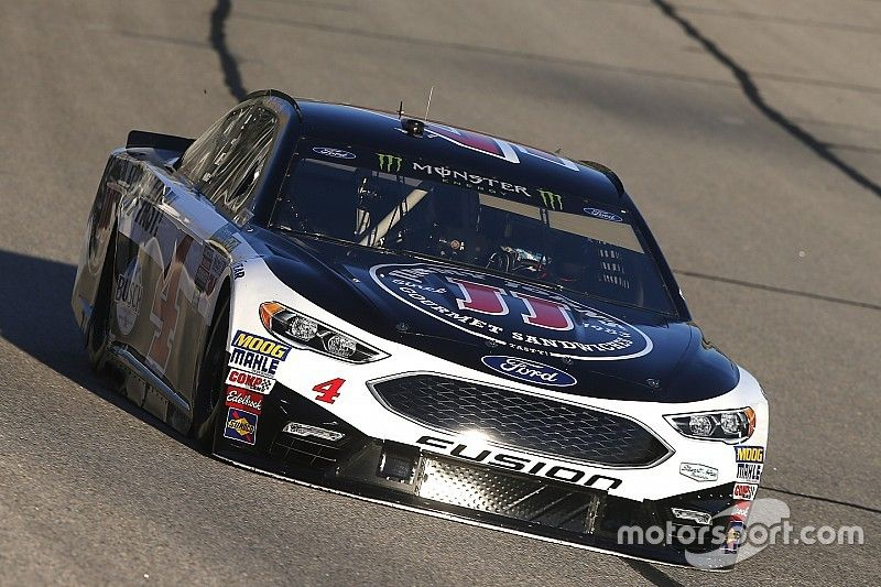 Harvick remains untouchable in Stage 2 at Atlanta