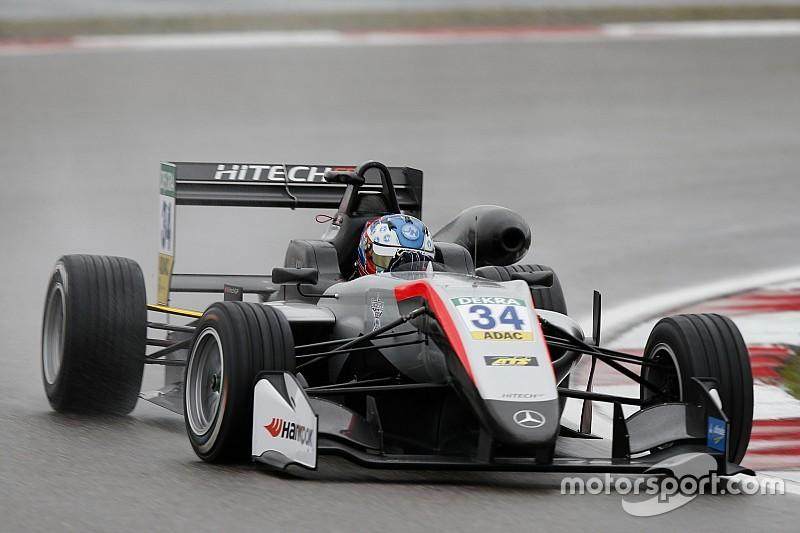 Hughes e Ilott si dividono le pole nel diluvio del Nurburgring