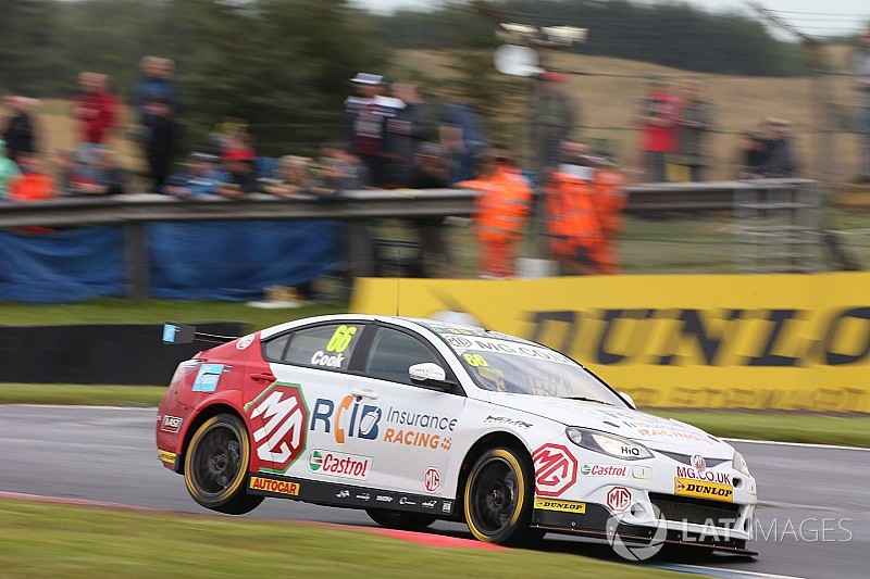 Cook gets race ban after Rockingham BTCC clashes