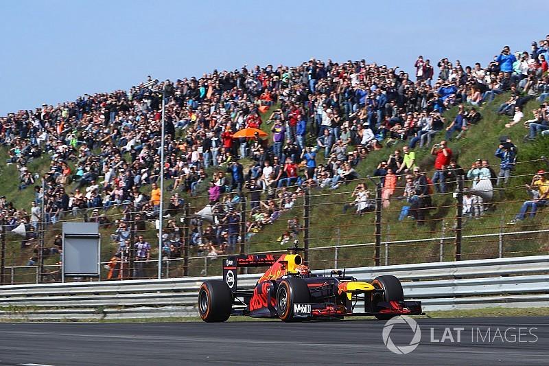 Verstappen breaks lap record at Zandvoort during F1 demo