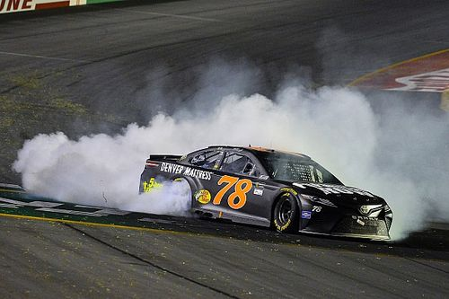 Truex takes Kentucky win in dominating fashion