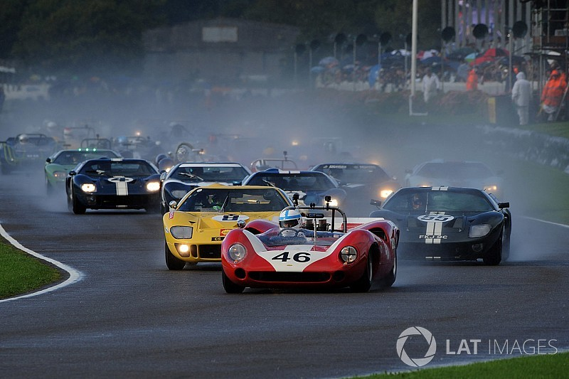 In beeld: De duurste crashes van de Goodwood Revival