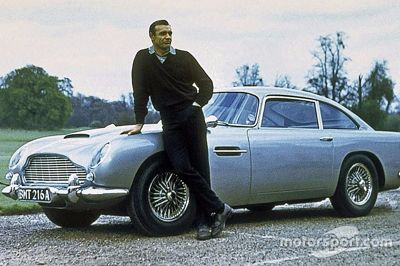 L'Aston Martin DB5, l'autre arme de James Bond