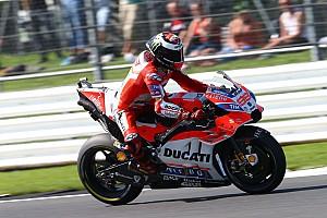MotoGP Prove libere Silverstone, Libere 4: Lorenzo resta a piedi, ma poi è il più veloce