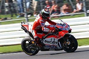 Довициозо объяснил, почему только Лоренсо работает с винглетами Ducati