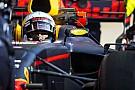Риккардо не испугался преимущества Mercedes и Ferrari на тестах