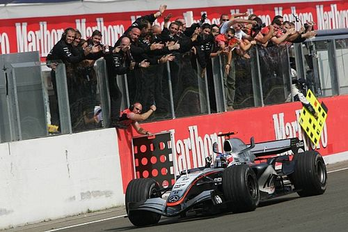 F1 tarihinde bugün: Raikkonen, Macaristan'da kazanıyor