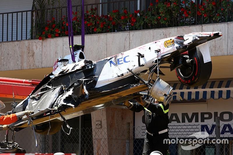 Új, speciális aszfalttal érné el az FIA, hogy ne legyenek nagy balesetek a monacói sikánnál