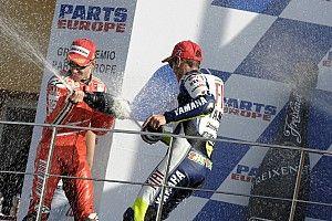 """Stoner, a Rossi: """"Mis logros valen aún más por haber corrido contra ti"""""""