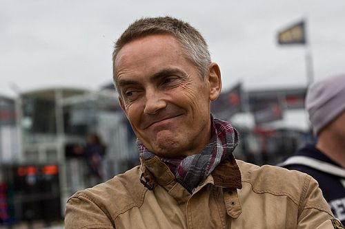 Whitmarsh szerint nem Schumacherrel kell összevetni Hamiltont