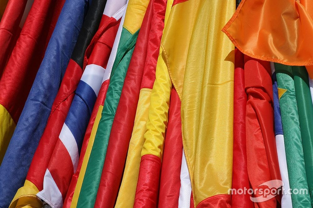Формула 1 представила окончательный календарь на 2020 год