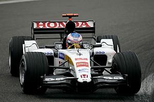 Button ma többek között Barrichello ellen is meg fog küzdeni