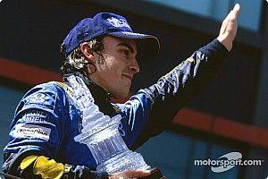 Brundle ve a Alonso en Renault y piloto y equipo vacilan