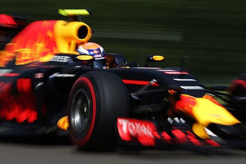 """Verstappen """"keen"""" to start on supersofts - Red Bull"""