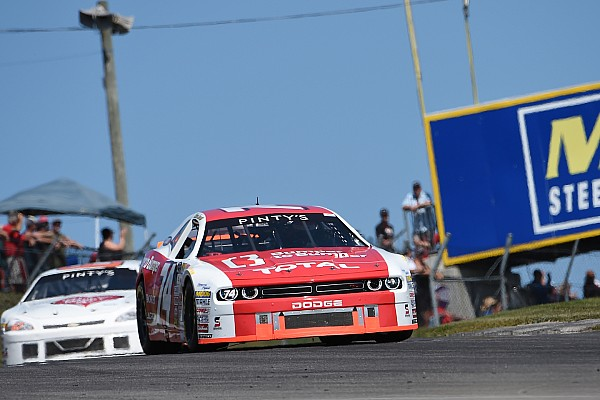 NASCAR Canada Breaking news Kevin Lacroix takes top spot in qualifying for Cam-Am 200 season opener