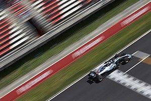Хэмилтон завоевал поул в Барселоне, первый ряд у Mercedes