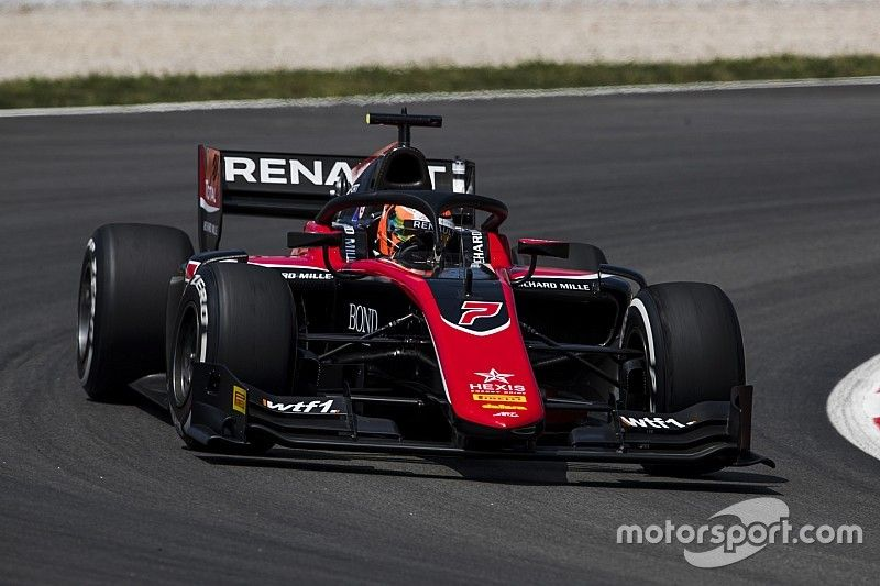 Aitken gana la segunda carrera de la F2 en Barcelona tras una gran salida