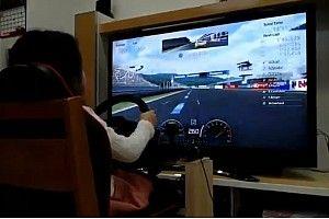 Menina de 5 anos impressiona no Gran Turismo Sport