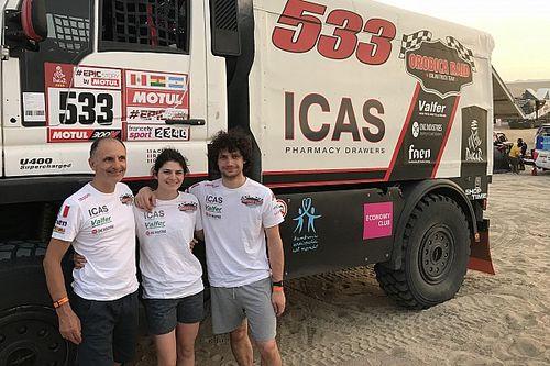 Família atravessa dunas do Dakar de caminhão