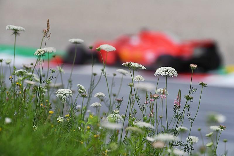 Vettel egy hajszállal nyerte Hamilton előtt a harmadik szabadedzést Ausztriában