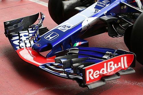 Toro Rosso fantasiosa con due soffiaggi nel marciapiede dell'ala anteriore