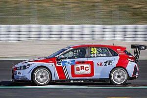 Tarquini wint openingsrace WTCR in Marokko